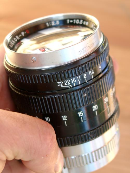 Nikkor-PC 2.5/10,5cm - a mastership of manufacturing
